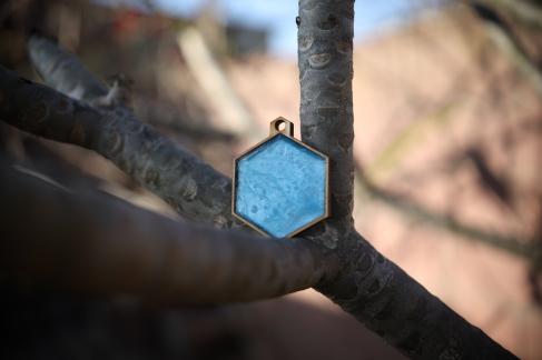 Resin filled medallion
